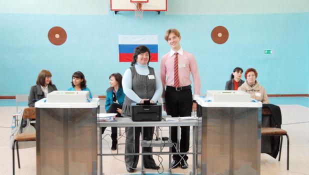 На избирательных участках в Барнауле 14 октября очередей к кабинкам для голосования не наблюдалось.