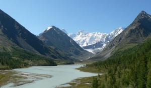 Озеро Ак-кем у подножия Белухи.