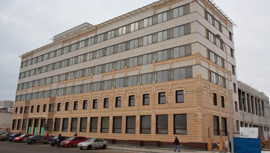 Новое здание администрации Барнаула на улице Гоголя.