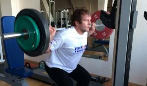 Александр Емельяненко тренируется в Кисловодске.