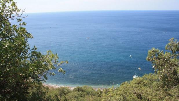 Солнечная тропа. Вид на Серебряный пляж. Крым.