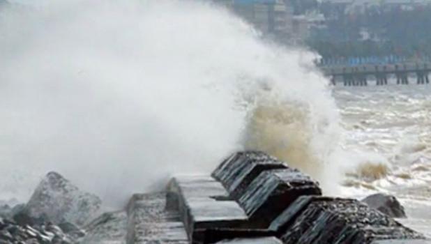 "В Японии бушует тайфун ""Ногури""."