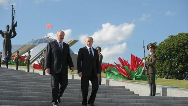 С Президентом Белоруссии Александром Лукашенко. Минск, 2 июля 2014 года.