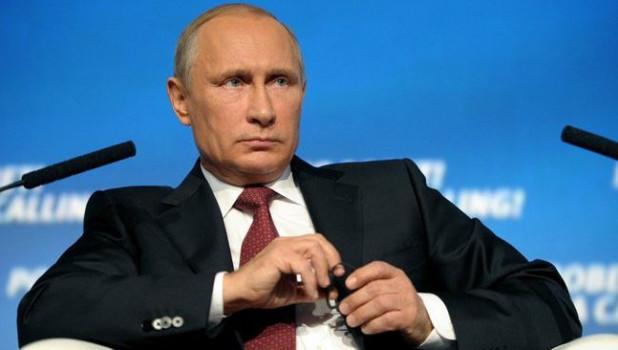 Путин поставил на место губернатора, который начал рассказывать сказки про рост зарплат