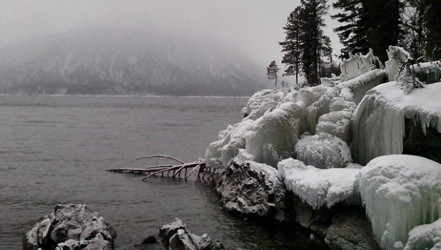 Новогоднее Телецкое озеро глазами туристов.