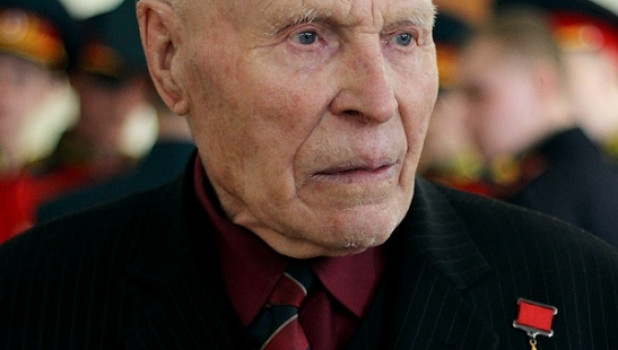 На Алтае ветеранам войны вручили юбилейные медали к 70-летию Победы.