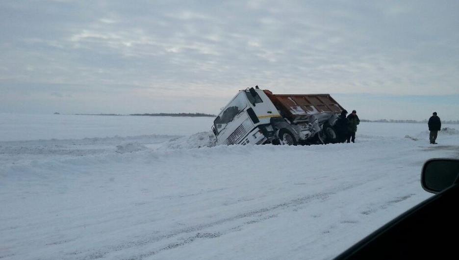 Мартовская непогода на Алтае стала причиной множества ДТП.