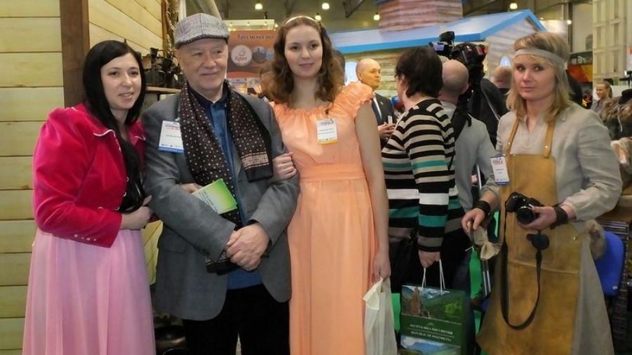 """Анна Билецкая (Мельгизина) на выставке """"Интурмаркет""""."""