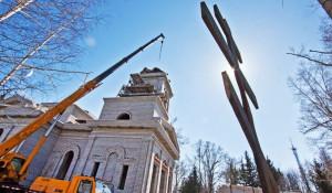 Строительство церкви Иоанна Предтечи на месте бывшего ВДНХ. Барнаул, апрель 2015 года.