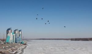Речной вокзал и Обь, в преддверии ледохода. Барнаул.
