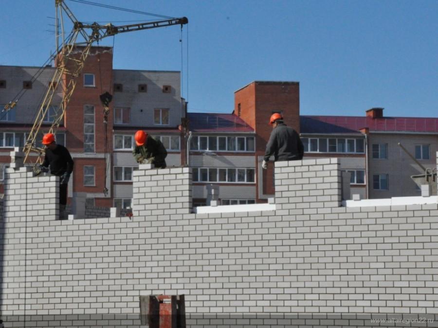 Строительство школы в квартале 2001.