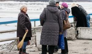 На Оби у Барнаула начался ледоход. 15 апреля 2015 года.