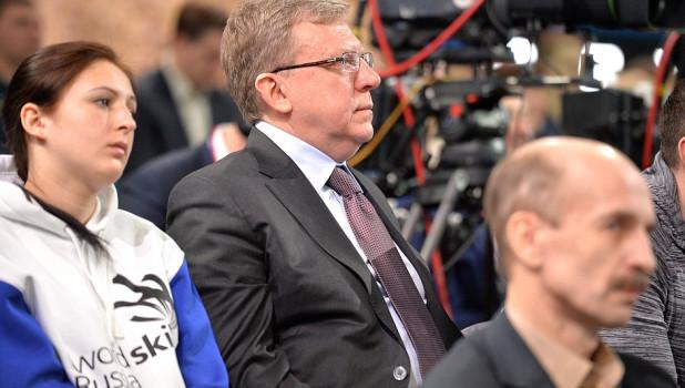"""Алексей Кудрин на """"Прямой линии"""" с Владимиром Путиным."""