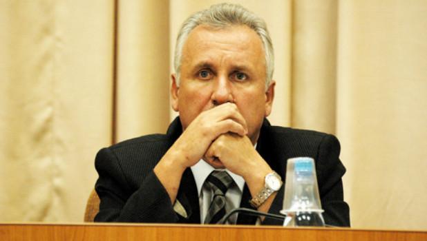 Борис Ларин.