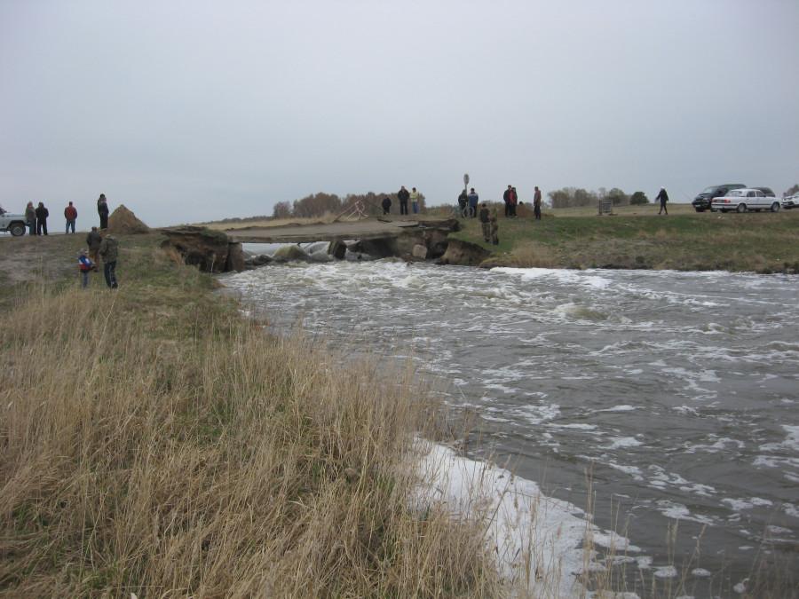 Паводок отрезал алтайские села от цивилизации.