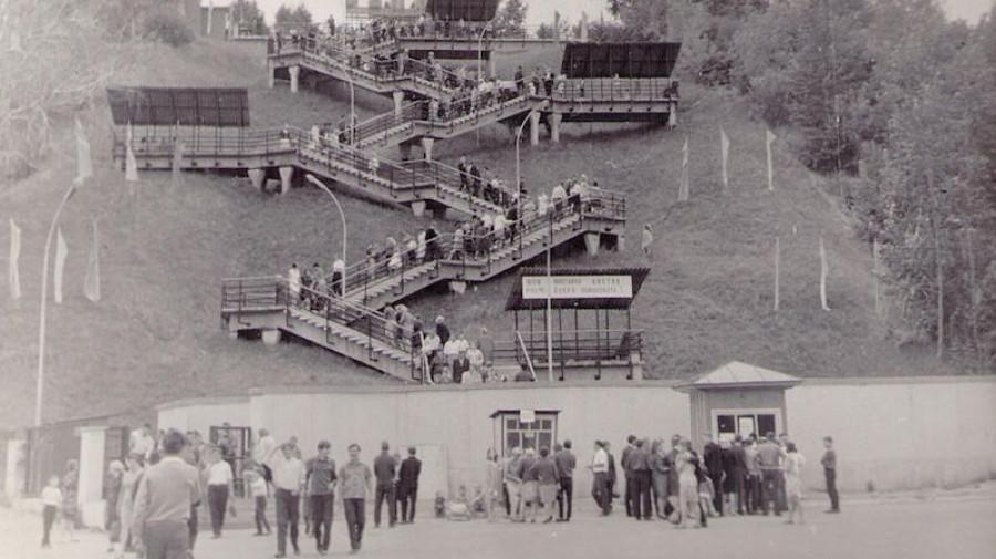Старая лестница на ВДНХ.