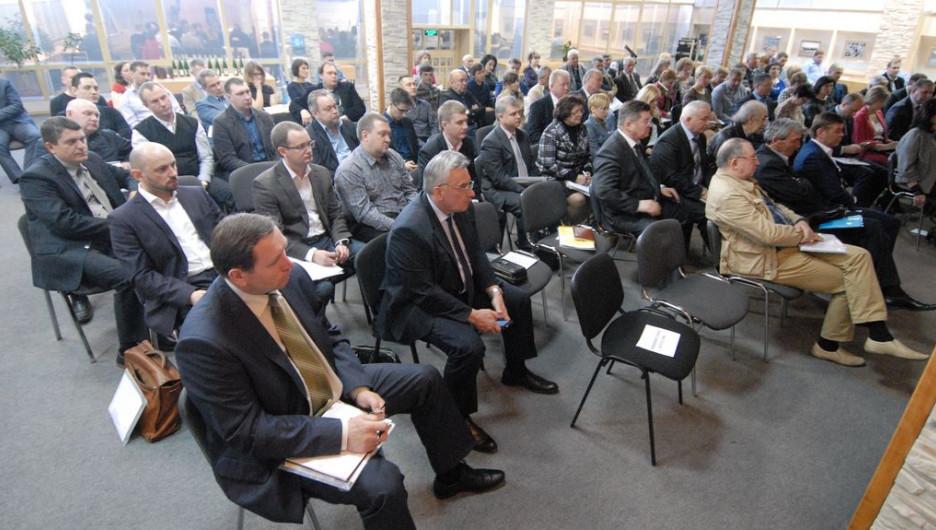 """Конференция """"Развитие малого и среднего бизнеса в Алтайском крае: вызовы, угрозы, возможности и перспективы""""."""