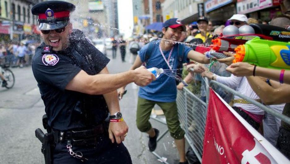 Отвязные полицейские.