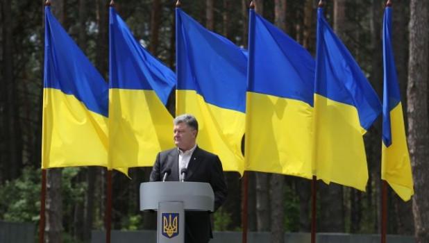 """""""Признак демократии"""": Порошенко провел дебаты без Зеленского"""