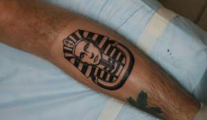 Та самая татуировка.