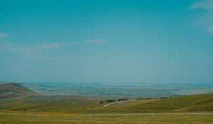 Алтайский край. Ясная погода. Горы и равнины.