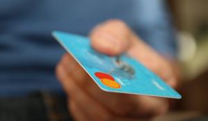 Жители Алтайского края в среднем отдают за кредиты больше половины своего ежемесячного дохода.