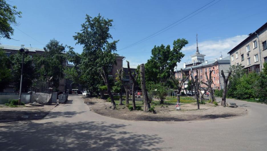 Двор дома по ул. Ленина, 82.