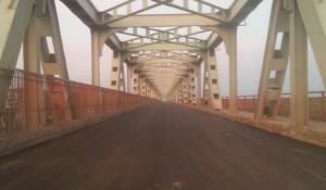 К открытию Старого моста приводится в порядок въездная зона