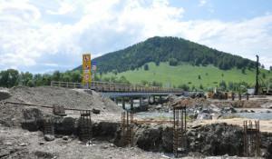 В Солонешенском районе восстанавливают мост через Ануй.