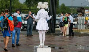 На сельской Олимпиаде в Павловске было много прекрасных участниц и болельщиц.