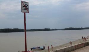 Барнаульские полицейские провели рейд по несанкционированным пляжам.