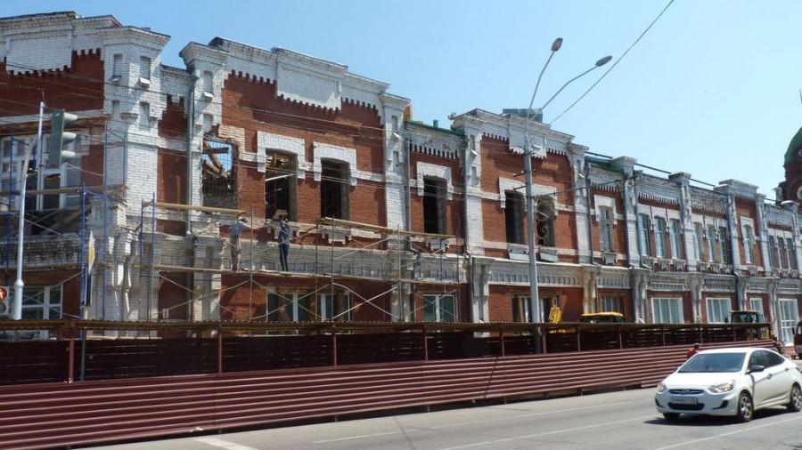 Реставрация здания бывшей городской думы. Барнаул, июль 2015 года.