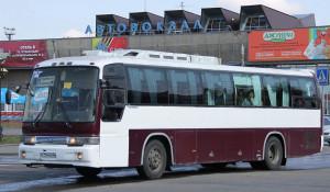 Междугородный автобус у барнаульского автовокзала