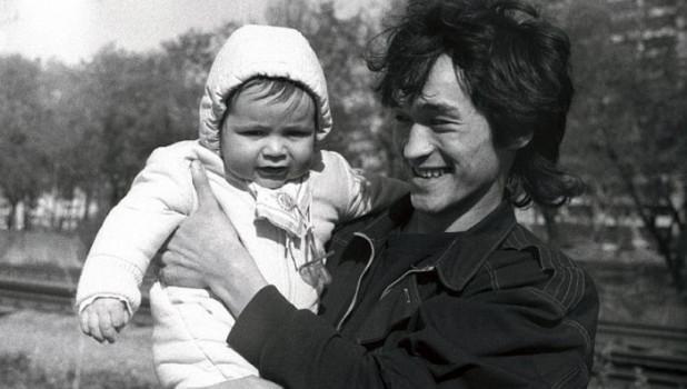 Виктор Цой с сыном.