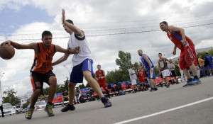 Соревнования по стритболу в Барнауле.