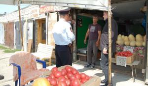 """Рейд на """"узбекском рынке"""" в Барнауле."""