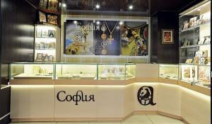 Подарки из серебра мастерами «Софийской набережной» созданы по всем  церковным канонам  и освящены.
