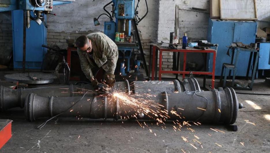 Пушки на Бийском олеумном заводе.