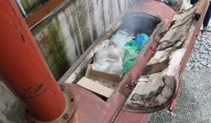 """В Барнауле в крематоре уничтожают """"санкционные"""" продукты."""
