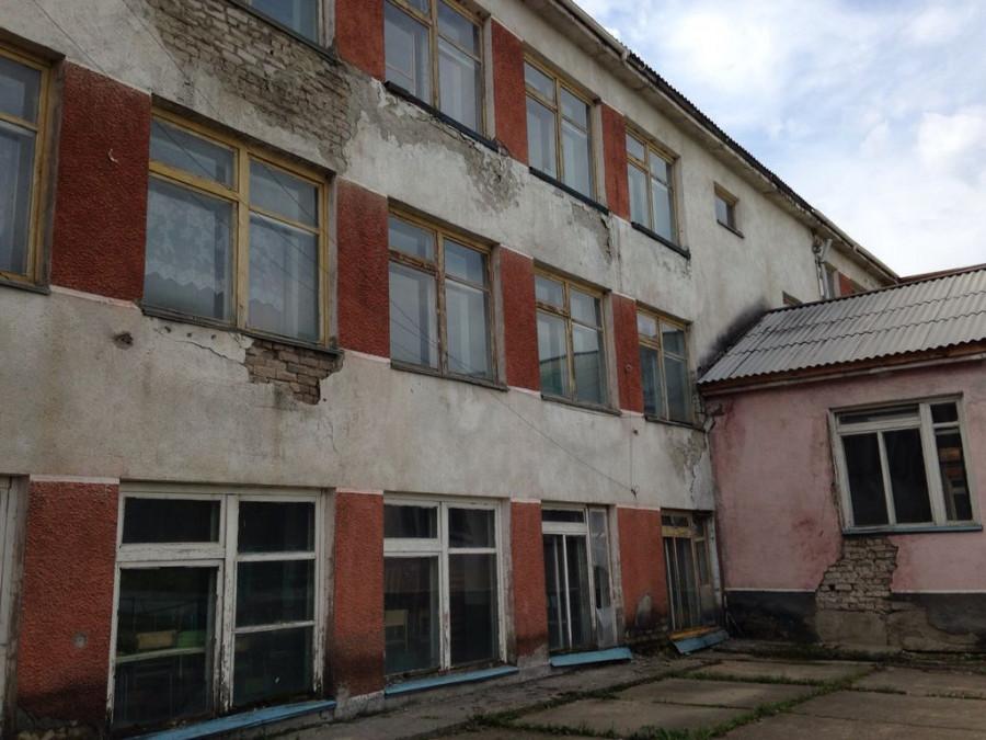 Школа в Баюновских Ключах.