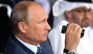 Владимир Путин на международном авиационно-космическом салоне МАКС-2015.