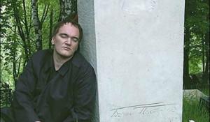 Квентин Тарантино на могиле Бориса Пастернака, своего литературного кумира с самого детства.