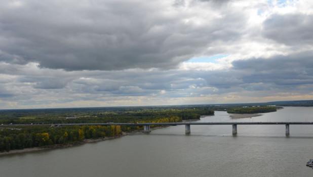 Вид на Новый мост и Обь.