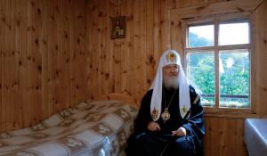 Патриарший визит в Горноалтайскую епархию. Посещение архиерейского подворья в честь святителя Макария на реке Катунь.