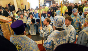 В барнаульском храме св. Димитрия Ростовского прошла божественая литургия, в которой принял участие патриарх московский и всея Руси Кирилл.