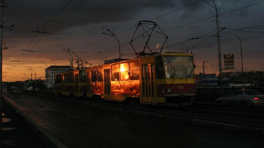 Трамвай в ночи.