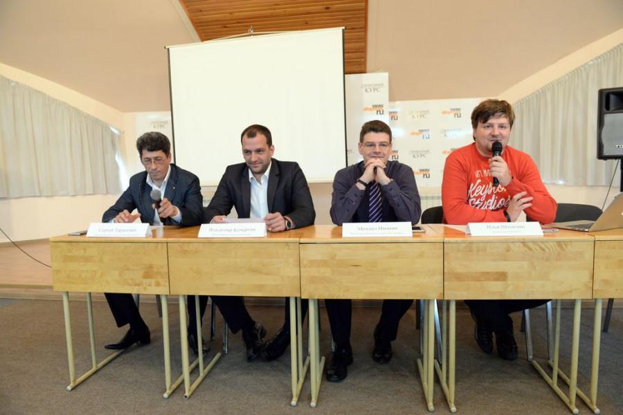 Представители сотовых компаний обсуждают итоги тестирования сетей.