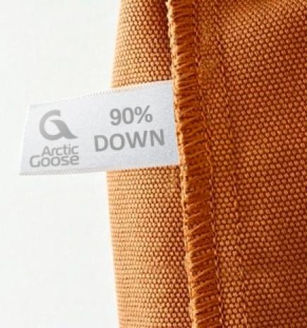 """Процент содержания пуха на этикетке обозначен как """"down""""."""