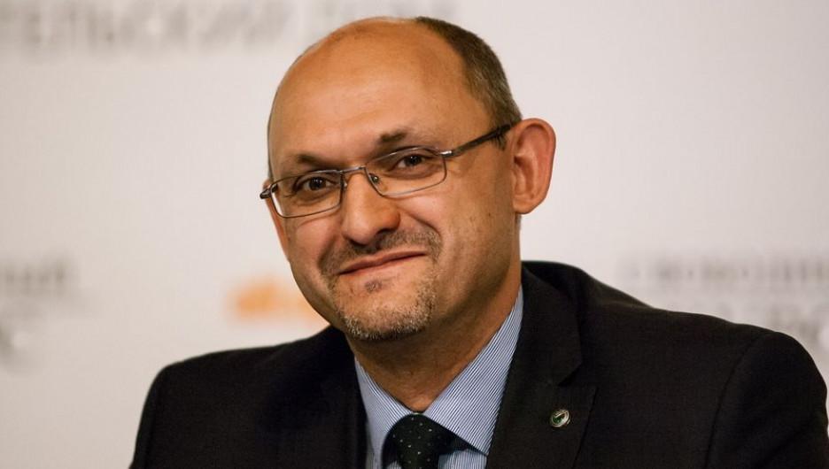 Максим Волков.