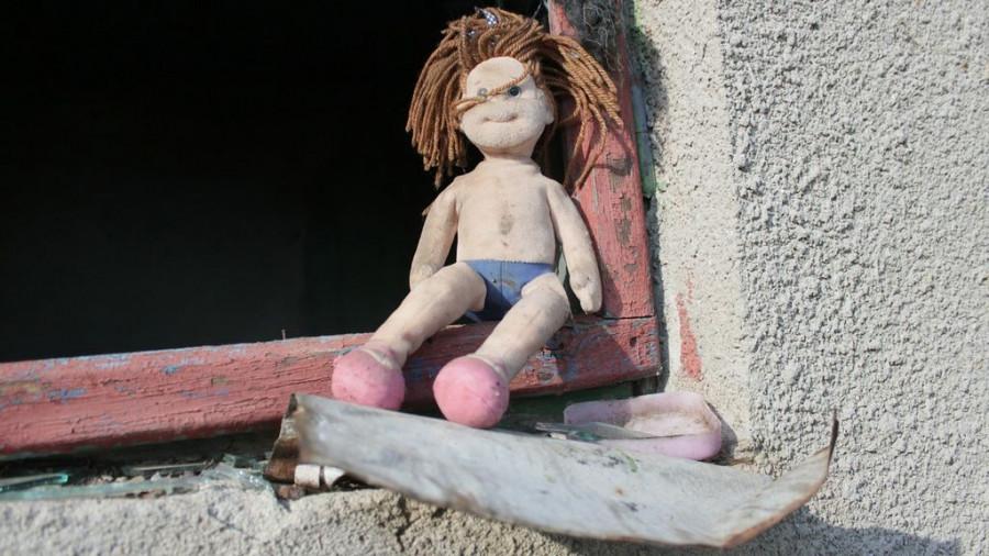 Кукла, дети.